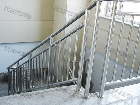 不锈钢楼梯栏杆厂家